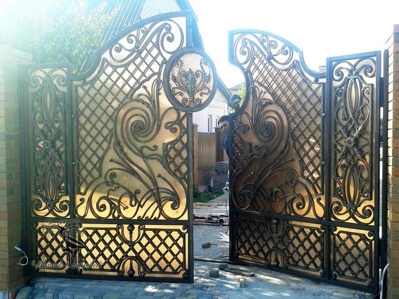Кованые ворота заказать